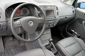 фото: панель Volkswagen Golf 5