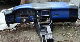 фото: приборная панель Audi 80 90